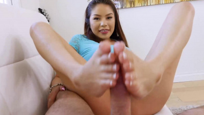Sami Parker does footjob & fucks stepdad until he busts on her toes