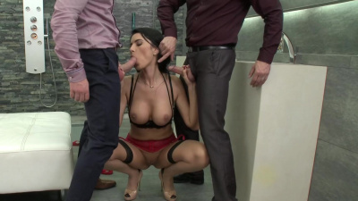 Ania Kinski with perfect figure enjoys two cocks in double penetration