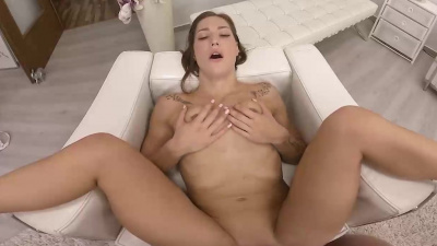 Playful brunette Mina gets rewarded with a massive cumload all over her orgasming body VR