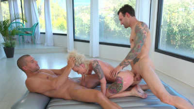 Masseuse Dakota Skye finds herself deliciously sandwiched between her clients
