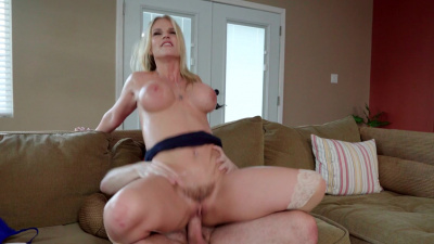 Bigtit stepmom Rachael Cavalli receives a mouthful of her stepson's cum