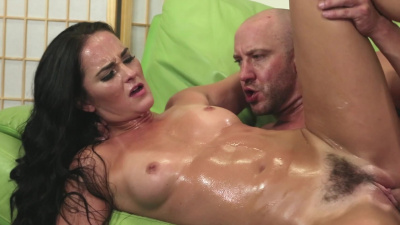 Mature lady Bianca Breeze gets all wet during sensual sex