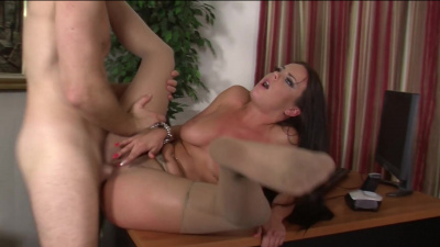 Rahyndee James fucks her raise out of pervy boss