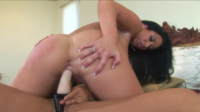 Lisa Ann brings lesbian love to a whole new level with Jayden James