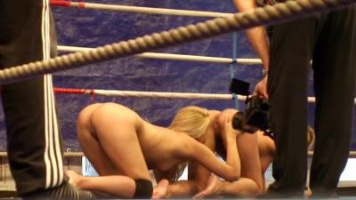 Brandy Smile and Kathia Nobili wrestling match turns into sex