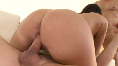 Bijou teases two men into threesome