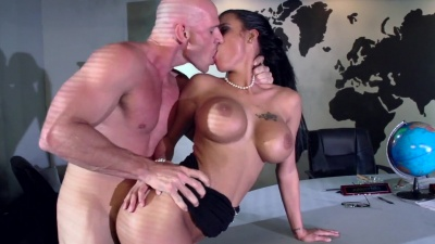 Peta Jensen gives an under table bj before getting bend & hard rammed