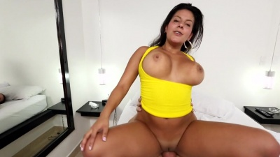 Colombian Juliana is picked & fucked in her mouth & fat pussy
